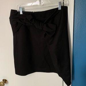 LOFT bow front asymmetrical skirt